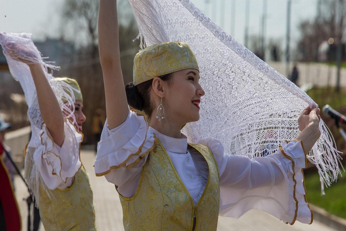 tatar-kyz-min